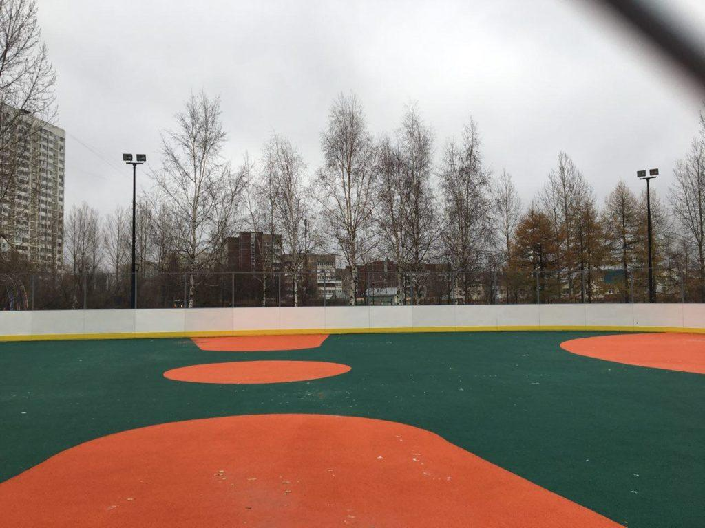 Москва, район Бутово — Хоккейная коробка