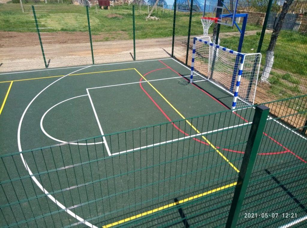 Универсальная спортивная площадка с воркаут комплексом (430 м²)